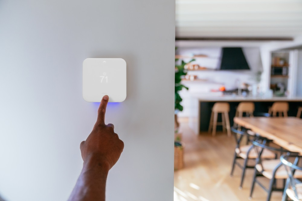 Smart home control, using Vivint Smart Thermostat